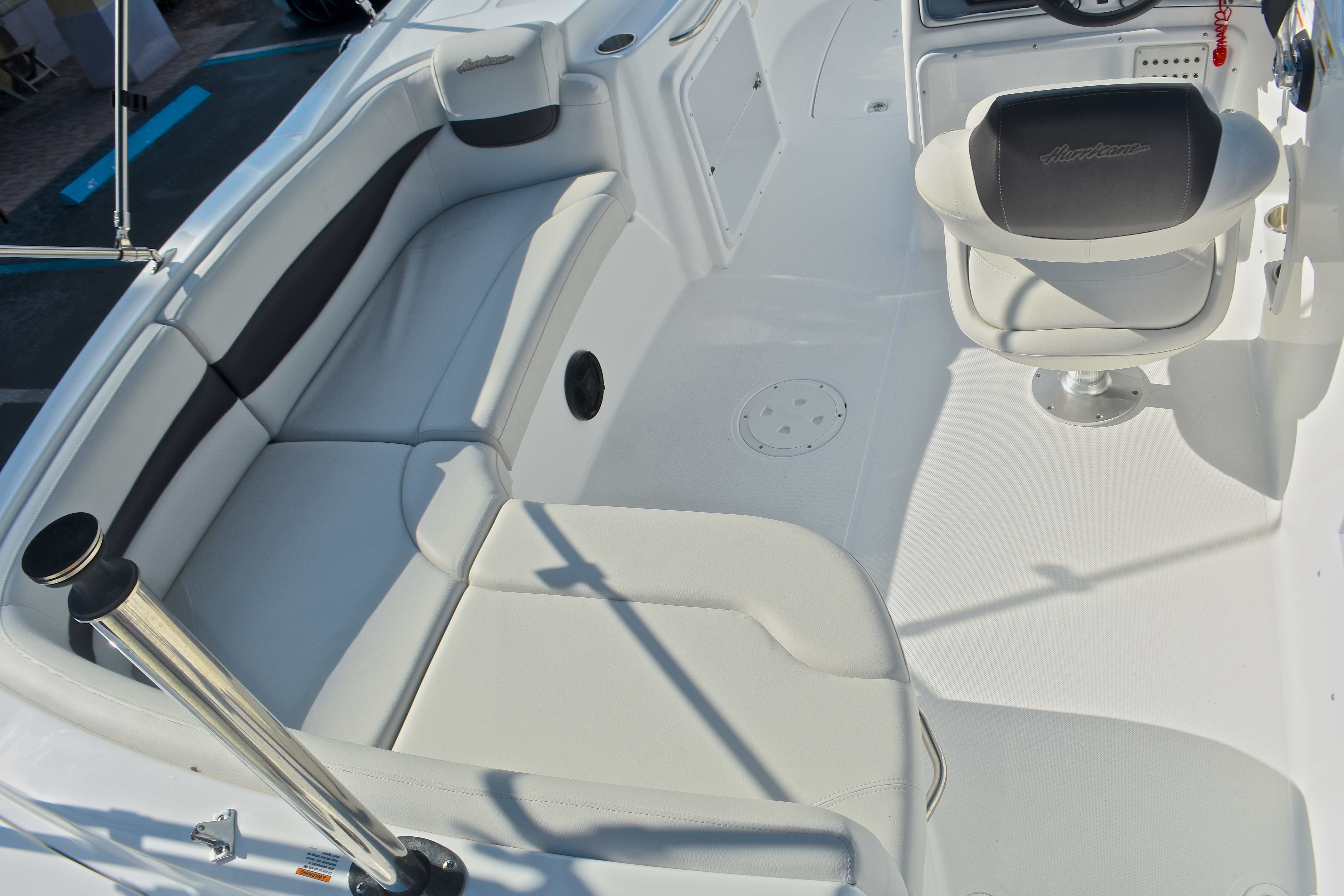 Thumbnail 14 for New 2017 Hurricane SunDeck Sport SS 203 OB boat for sale in West Palm Beach, FL