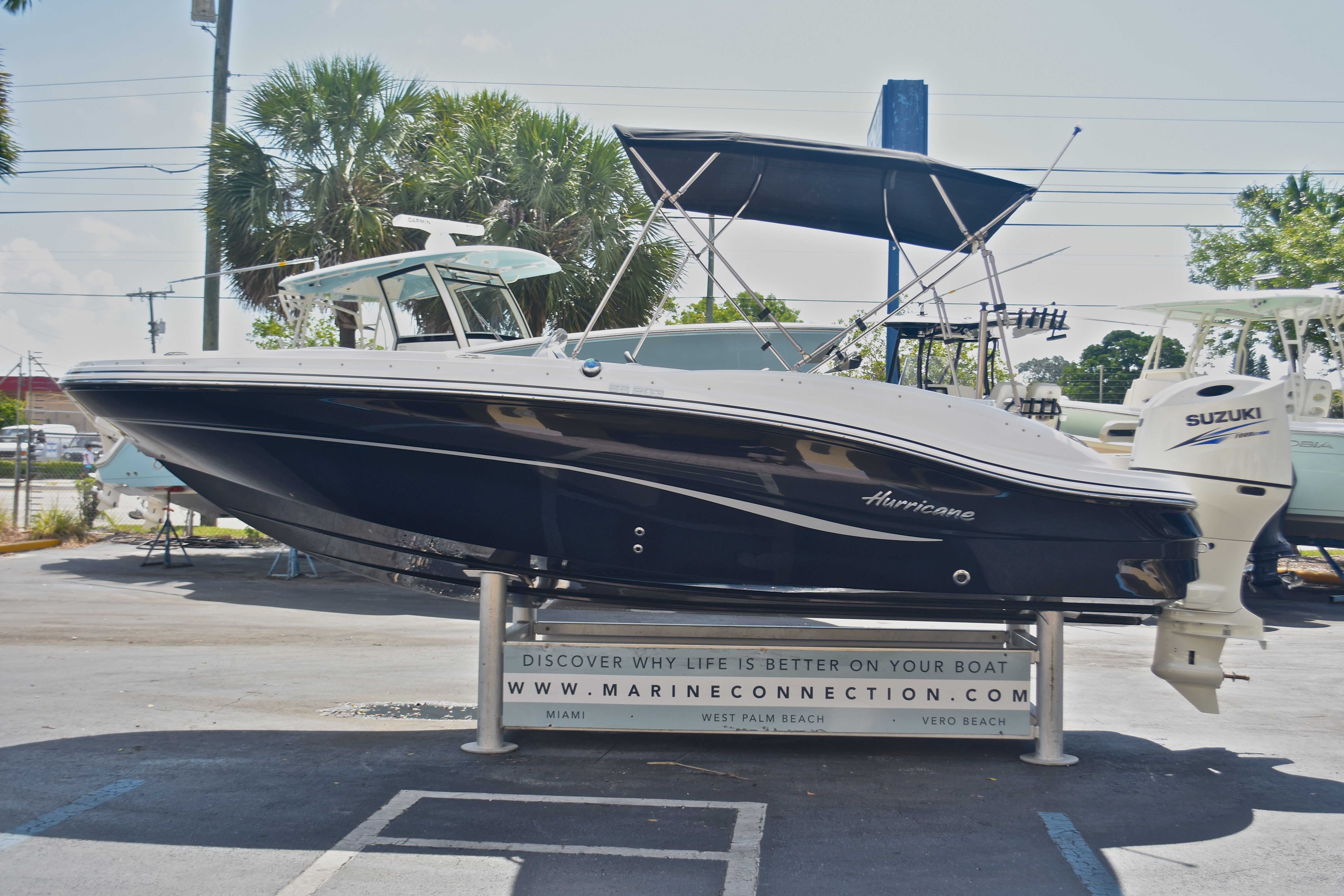 Thumbnail 4 for New 2017 Hurricane SunDeck Sport SS 203 OB boat for sale in West Palm Beach, FL