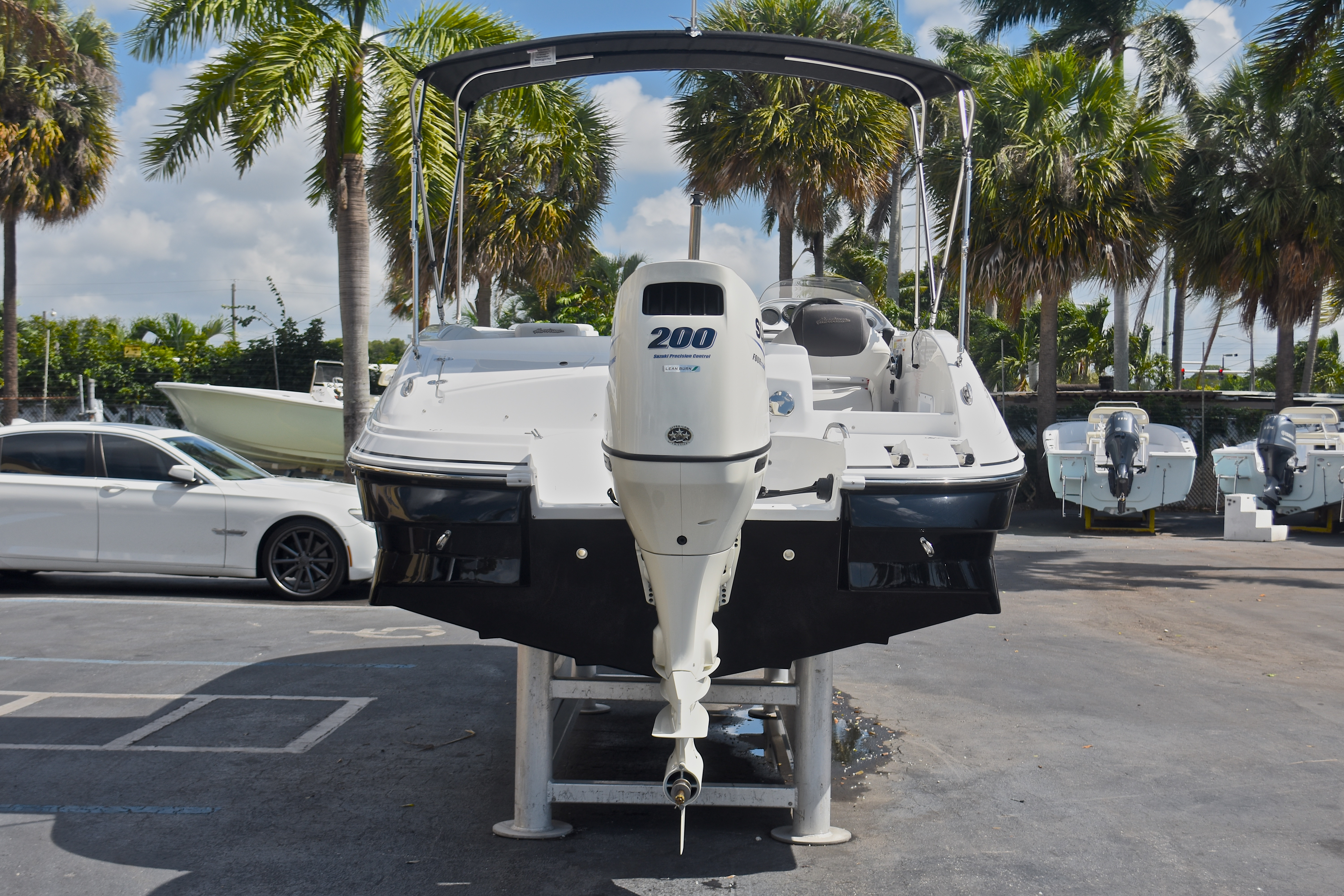 Thumbnail 7 for New 2017 Hurricane SunDeck Sport SS 203 OB boat for sale in West Palm Beach, FL