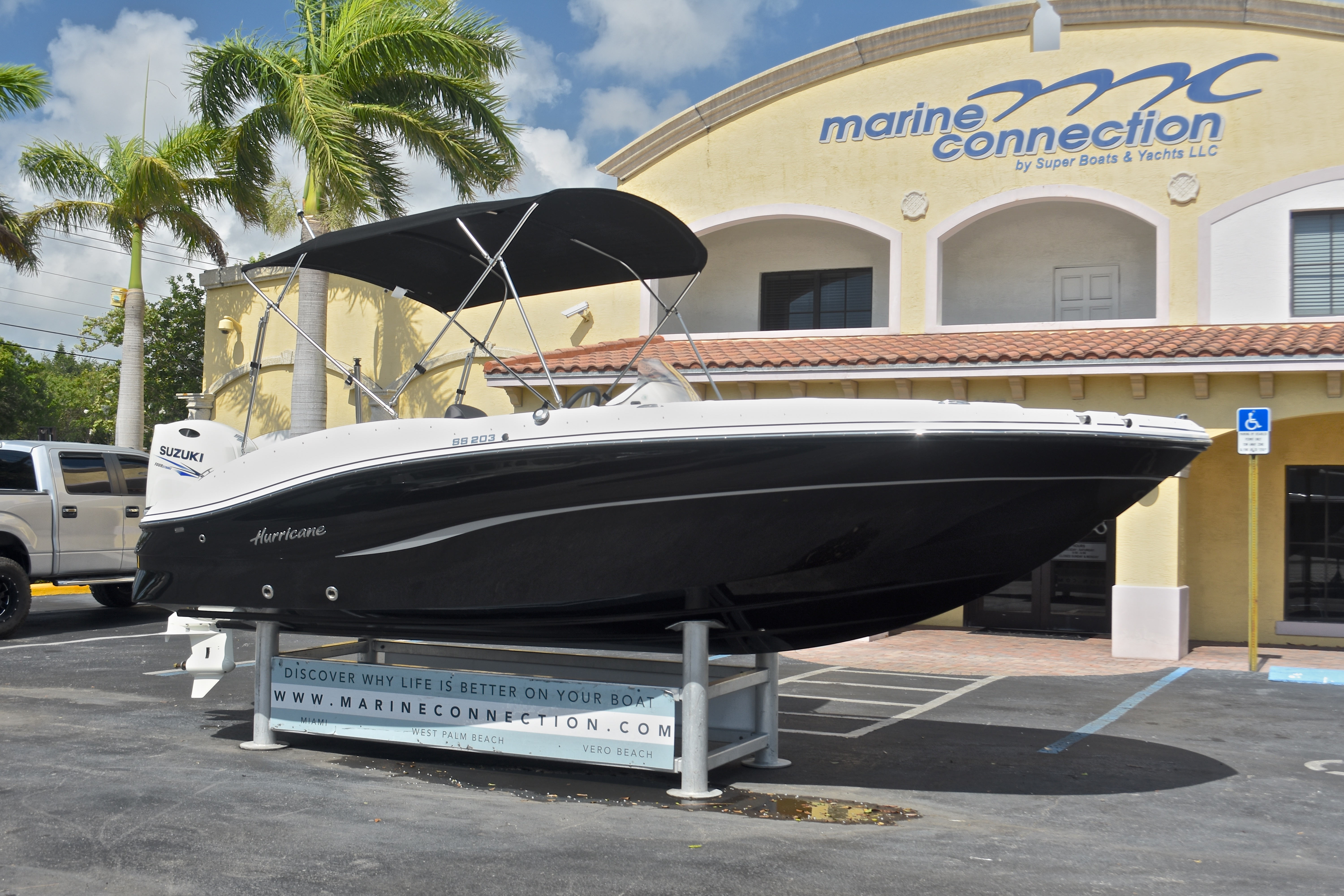 Thumbnail 1 for New 2017 Hurricane SunDeck Sport SS 203 OB boat for sale in West Palm Beach, FL