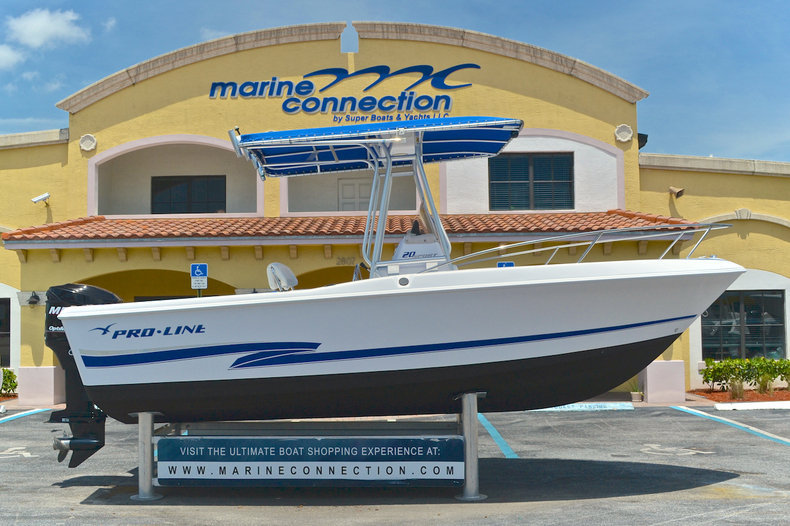 Used 2000 ProLine 20 Sport Center Console boat for sale in West