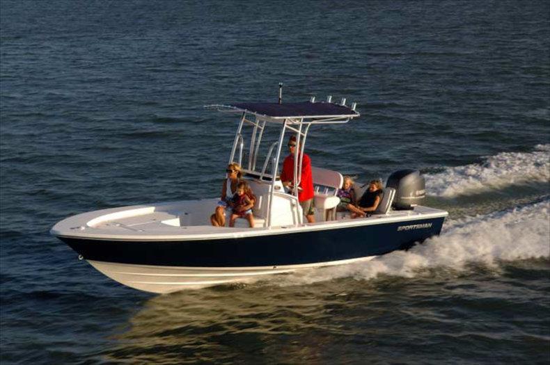 Used 2014 Sportsman Masters 227 Bay Boat boat for sale in Miami, FL