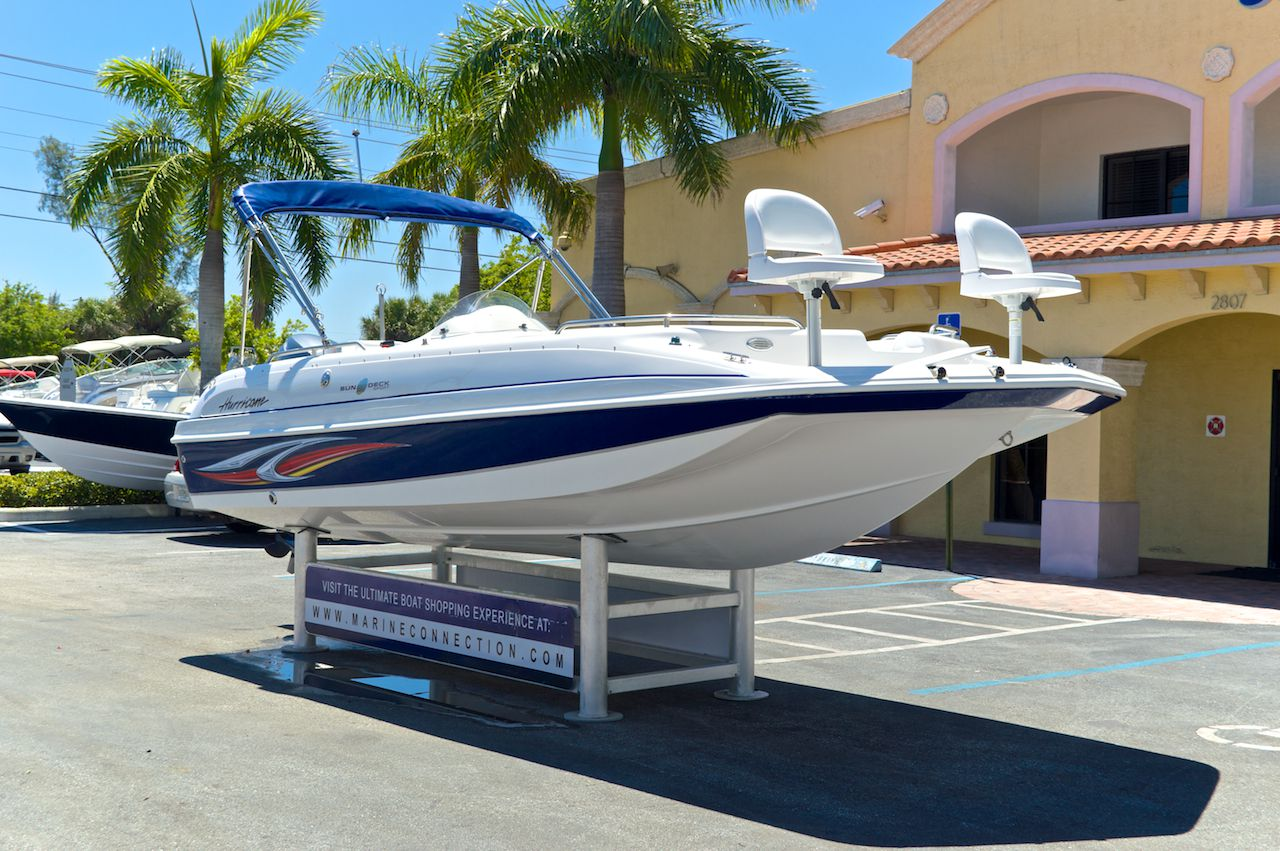 Used 2010 hurricane sundeck sport ss 201 ob boat for sale for Hurricane sundeck for sale