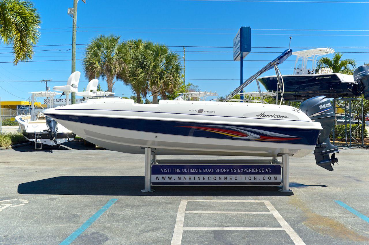 Used 2010 hurricane sundeck sport ss 201 ob boat for sale for Hurricane sundeck for sale