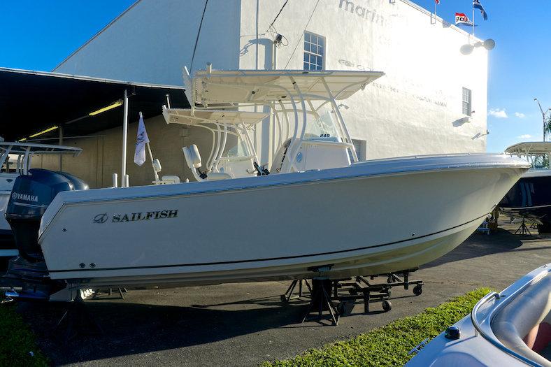 New 2014 Sailfish 240 CC Center Console boat for sale in Miami, FL