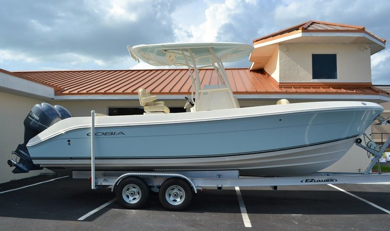 New 2015 Cobia 256 Center Console boat for sale in Vero Beach, FL