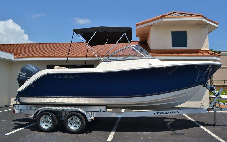 New 2015 Cobia 220 Dual Console boat for sale in Miami, FL