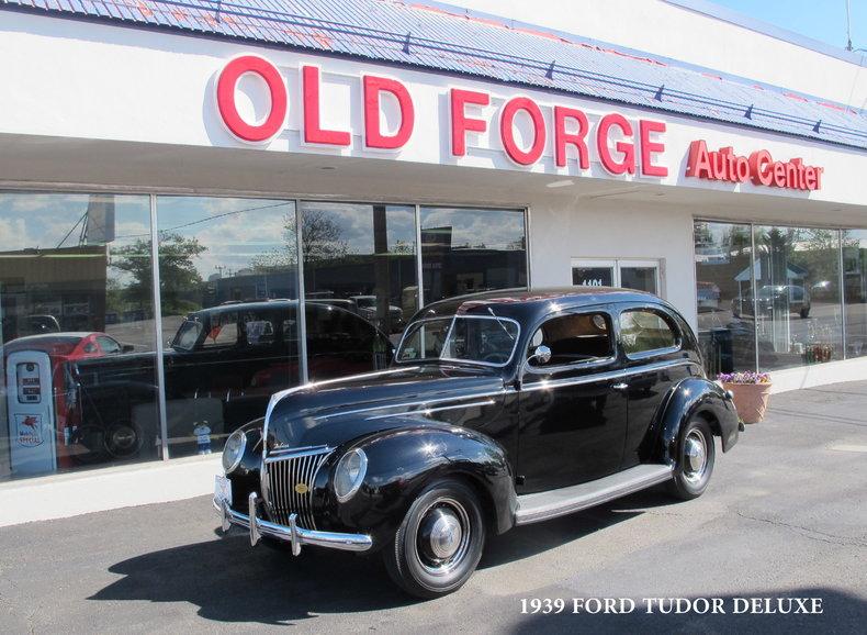 1939 Ford Tudor Deluxe