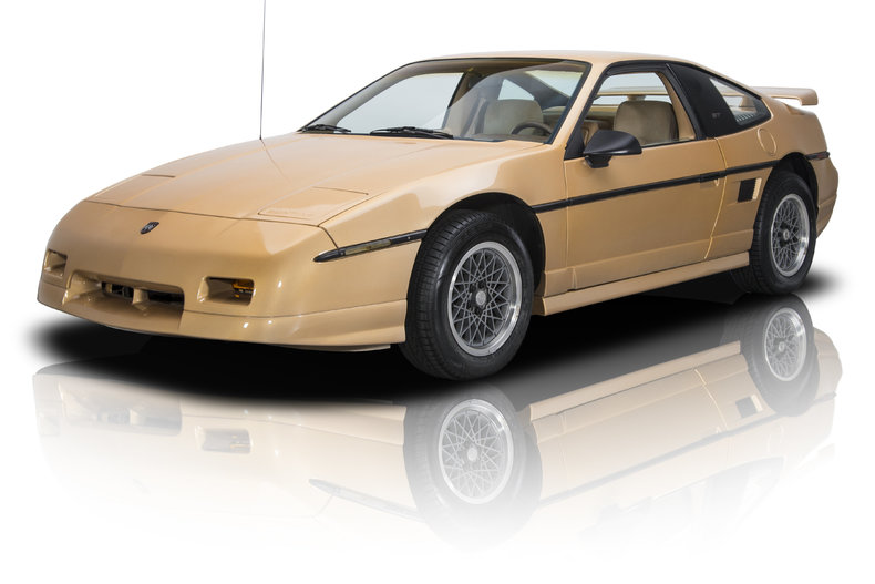 370182 1986 pontiac fiero gt low res