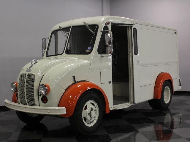 1985 DIVCO 200C