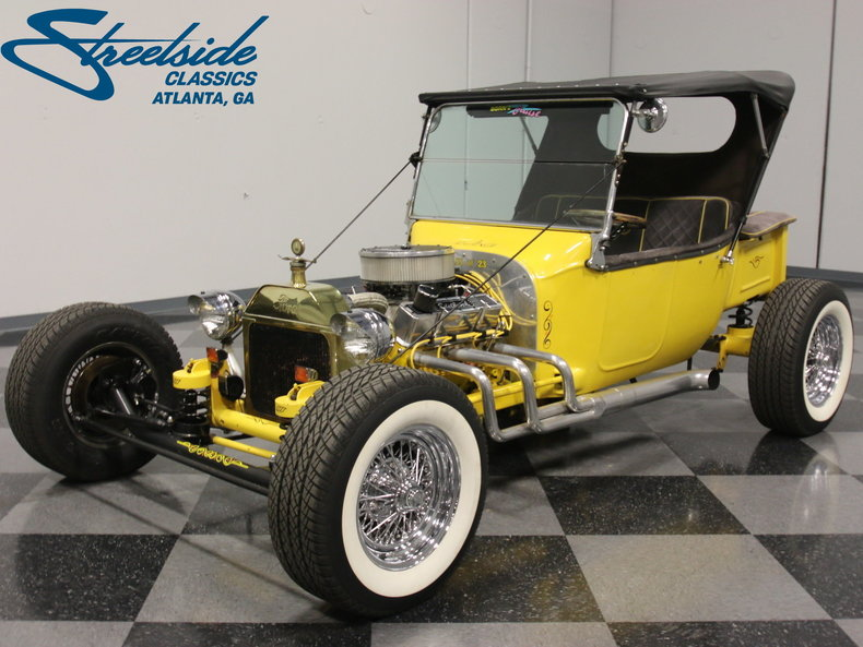 What kind of cars are offered by Streetside Classics?