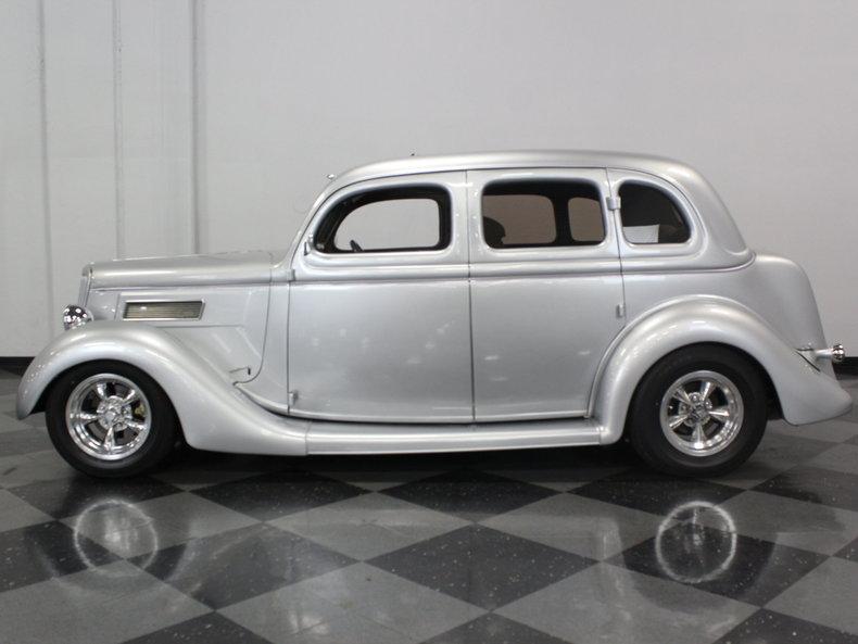 1935 ford sedan streetside classics the nation 39 s top for 1935 ford 4 door sedan