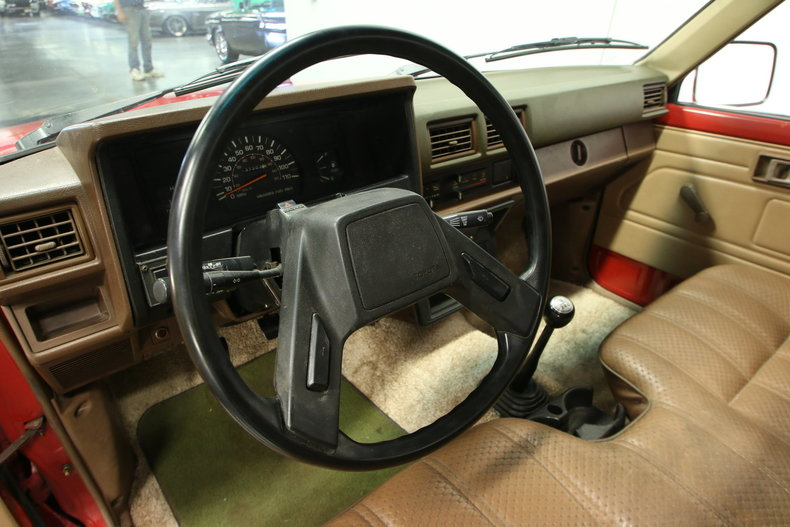 1985 toyota pickup streetside classics the nation 39 s top consignment dealer of classic and for 1985 toyota pickup interior parts