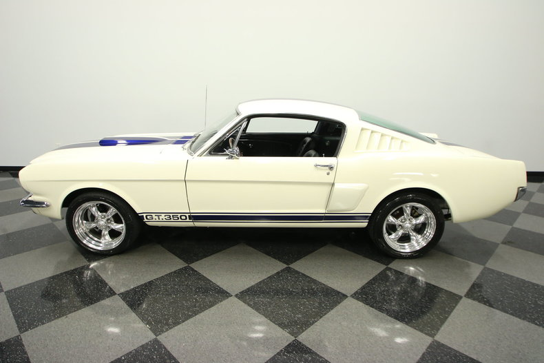 1965 Ford Mustang 2