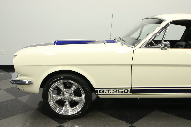 1965 Ford Mustang 10