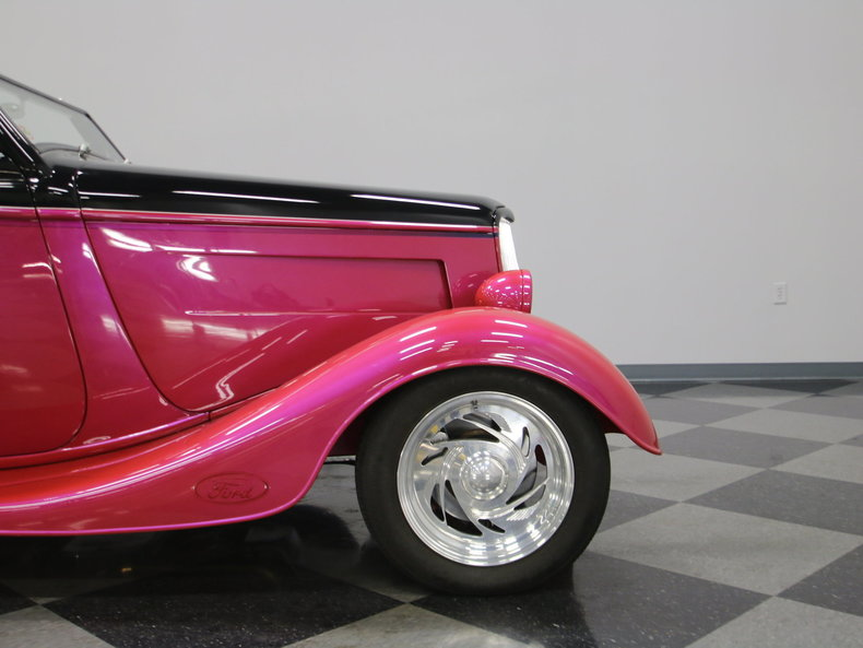 1933 Ford Cabriolet Convertible 74