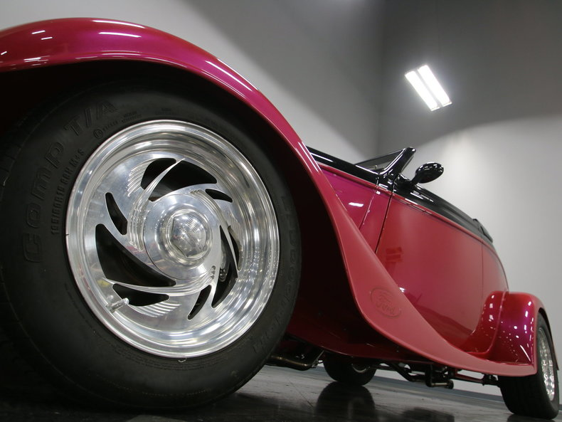 1933 Ford Cabriolet Convertible 10