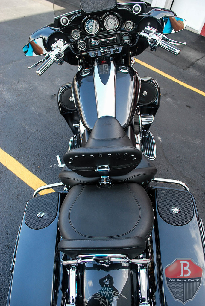 2012 harley davidson cvo street glide the barn miami. Black Bedroom Furniture Sets. Home Design Ideas