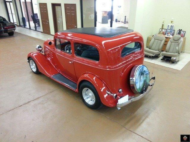 1935 Chevrolet Sedan