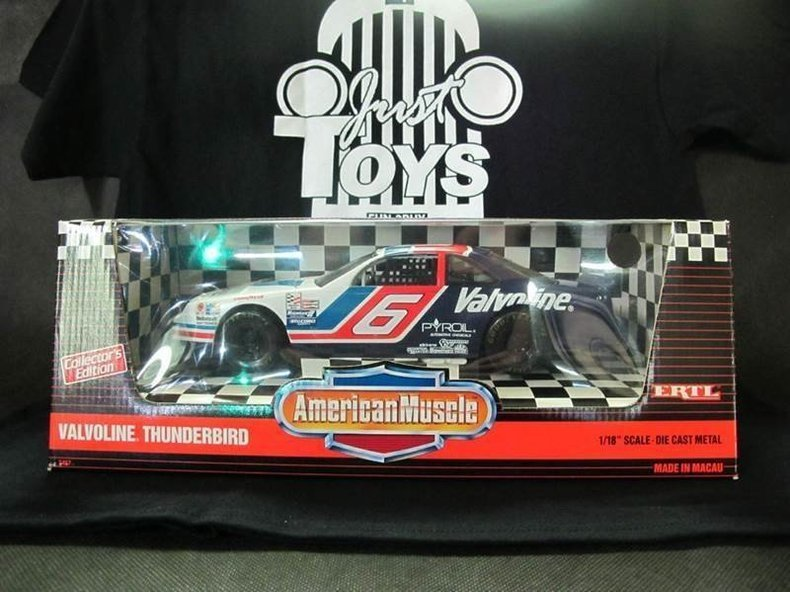 1900 Ford NASCAR's #6 Valvoline Thunderbird