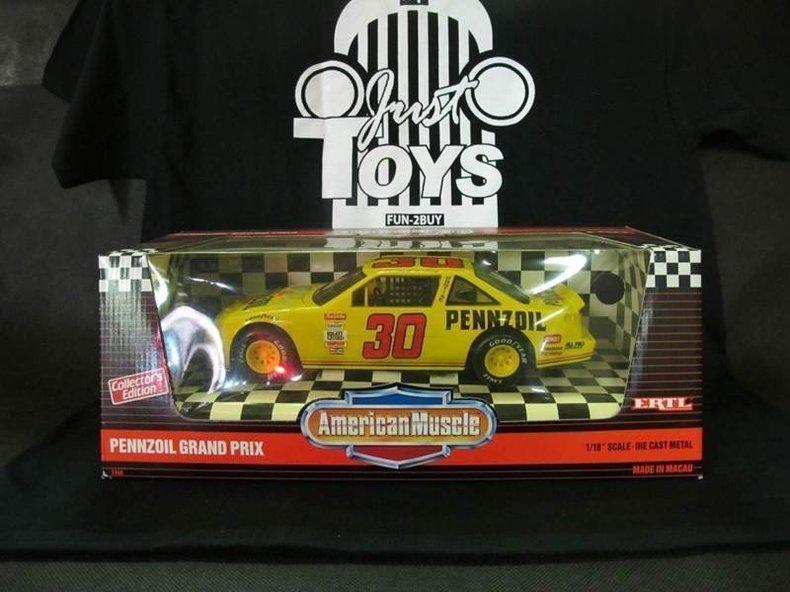 1900 Pontiac NASCAR's #30 Pennzoil Grand Prix