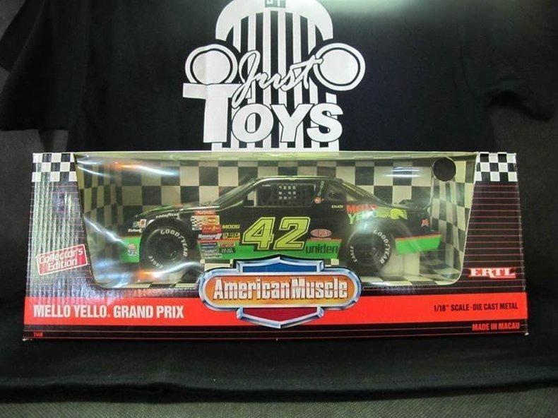 1900 CHEVROLET NASCAR'S #42 MELLO YELLO GRAND PRIX