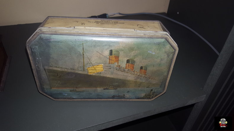 Queen Mary Candy Tin