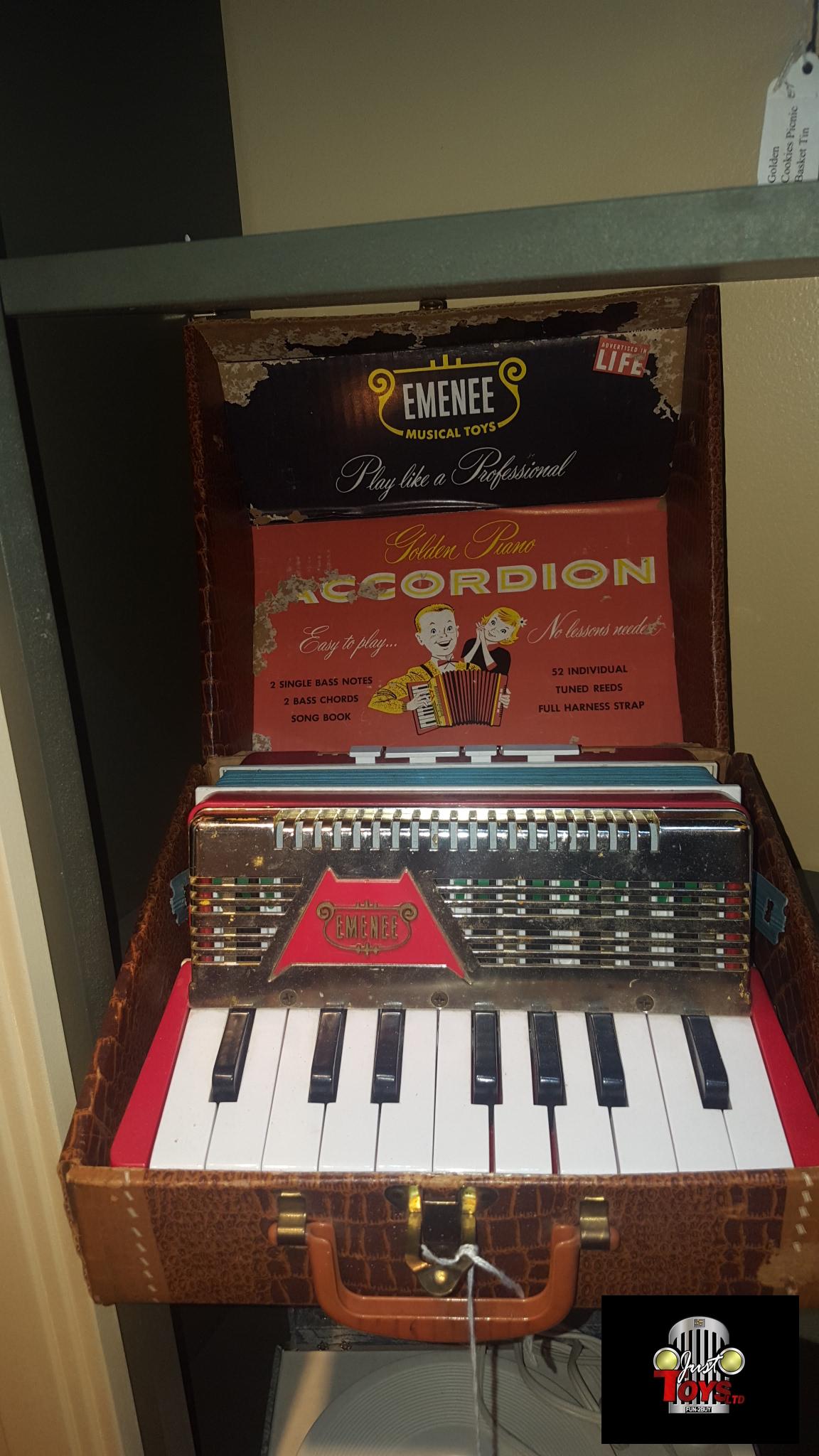 Emenee Golden Piano Accordian
