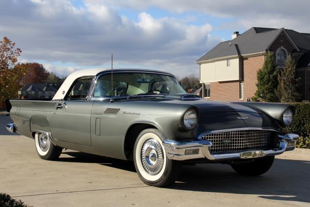 1957 Ford T-Bird
