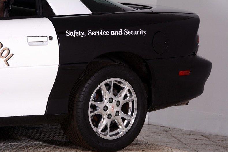 2002 Chevrolet Camaro Image 18