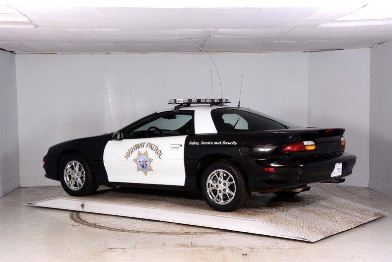 2002 Chevrolet Camaro Image 9