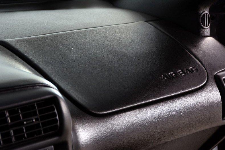 2002 Chevrolet Camaro Image 26