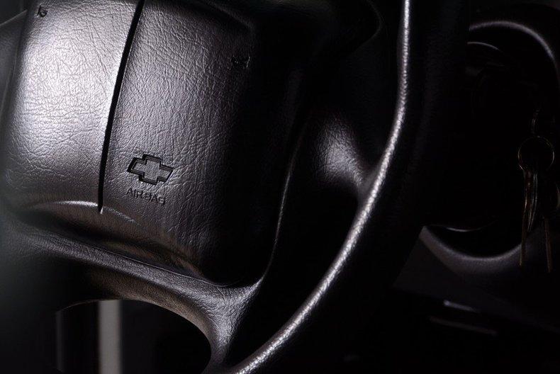 2002 Chevrolet Camaro Image 37