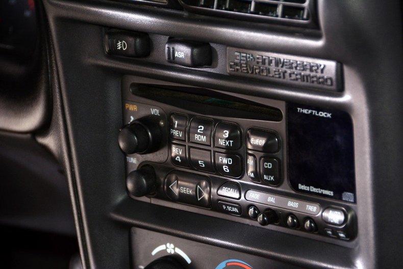 2002 Chevrolet Camaro Image 45