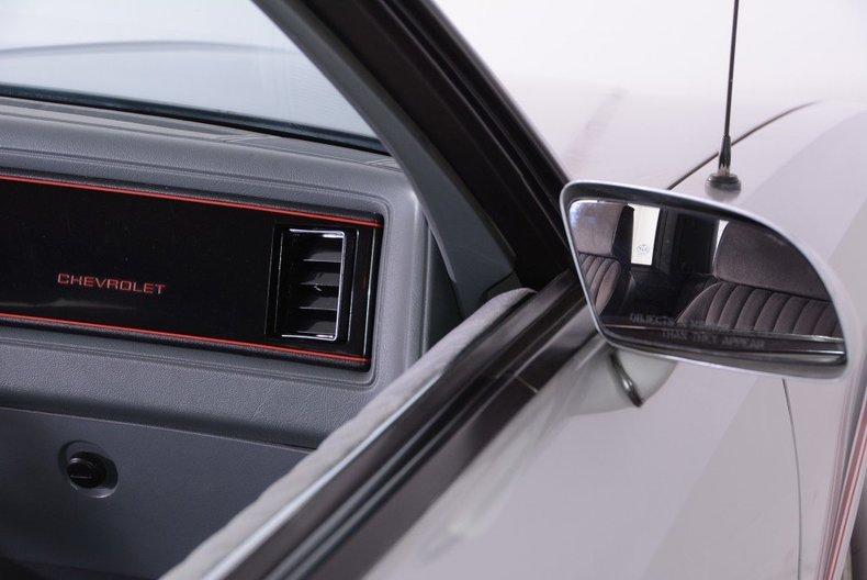 1986 Chevrolet Monte Carlo Image 11