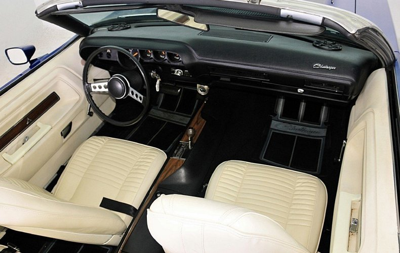 1970 Dodge Challenger Image 31