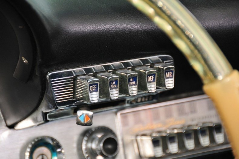 1960 Chrysler 300 Image 19