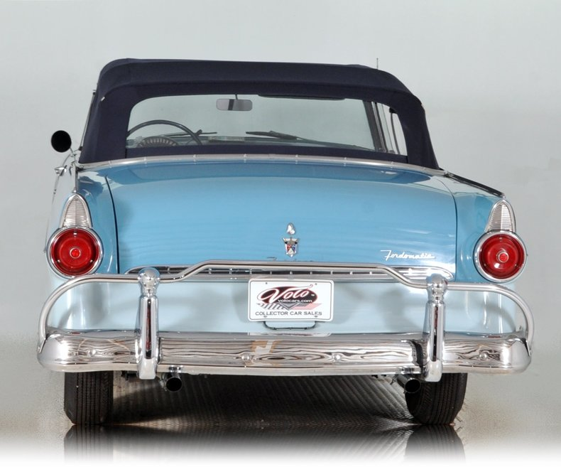 1955 Ford Fairlane Image 17