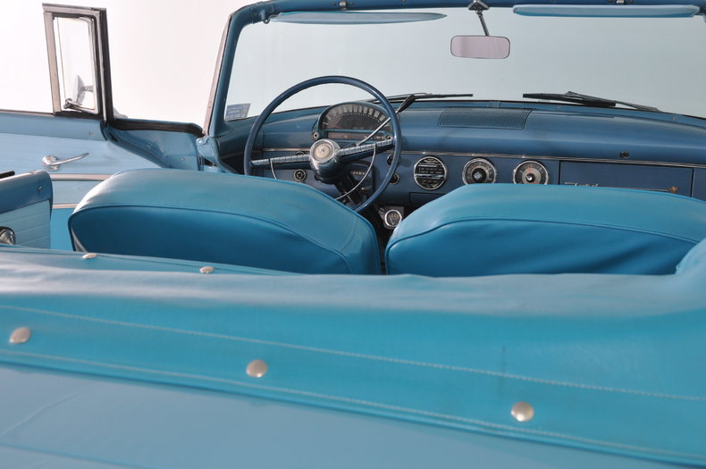 1955 Ford Fairlane Image 21