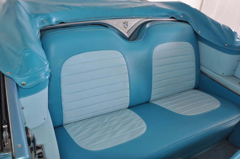 1955 Ford Fairlane Image 28
