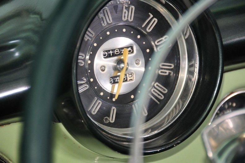 1952 Buick Super Image 32