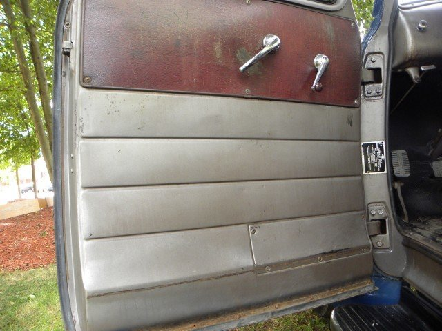 1951 Chevrolet  Image 14