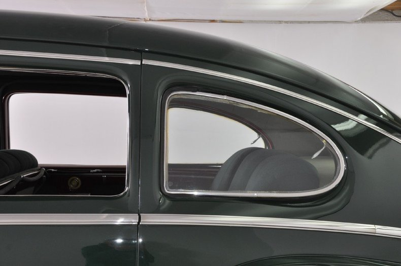 1942 Lincoln Zephyr Image 70