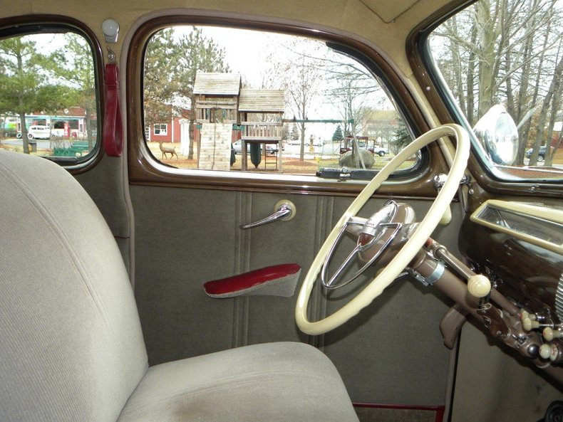 1941 Ford Super Deluxe Image 120