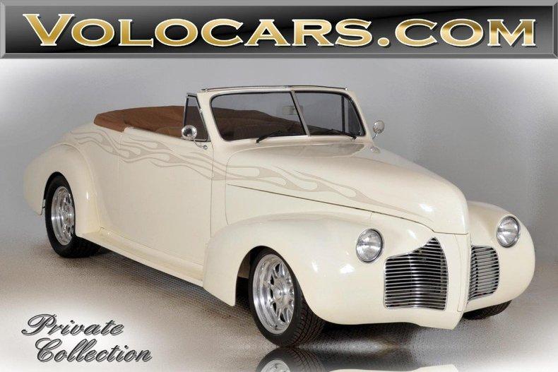 1940 Pontiac Deluxe Image 1