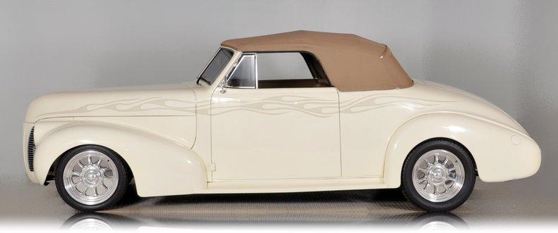 1940 Pontiac Deluxe Image 8