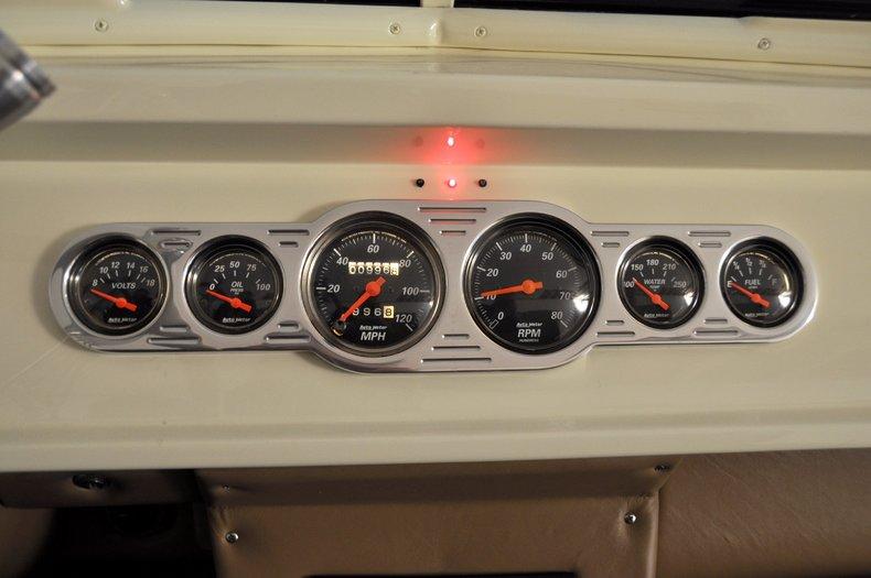 1940 Pontiac Deluxe Image 11