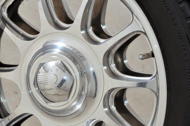 1940 Pontiac Deluxe Image 15