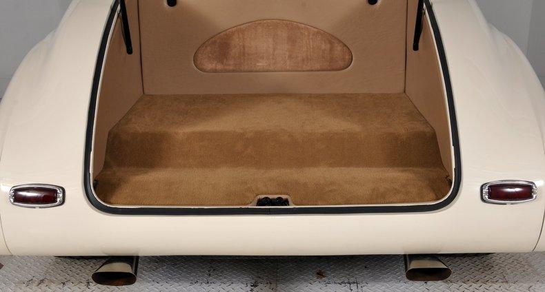 1940 Pontiac Deluxe Image 26