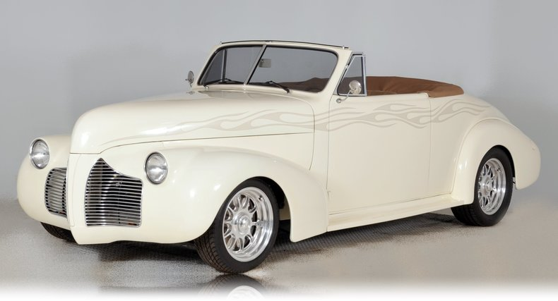1940 Pontiac Deluxe Image 27